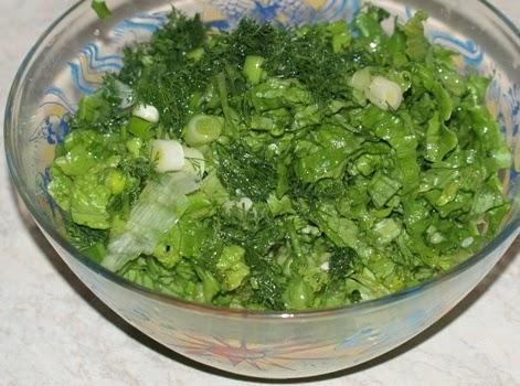 Hogyan fogyasztják a görögök a római salátát?