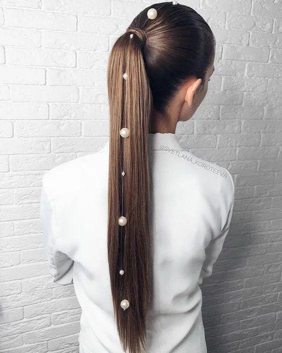 15 szépséges frizuraötlet Szentestére és Karácsonyra, 2020-ra
